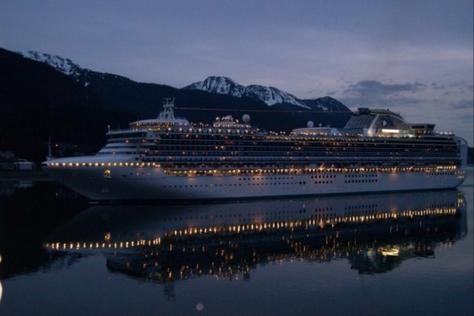 P304454-Skagway-Alaska_ship_reflection